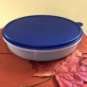 Tupperware Kitchen - Tupperware Cupcake Pie Brownie Large Round Carrier